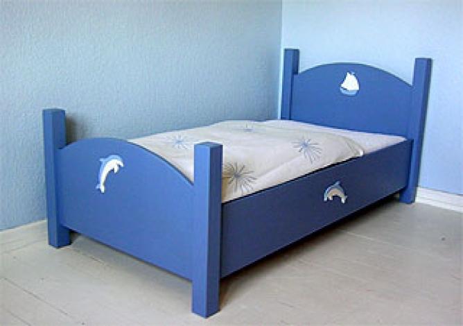 jugendbett stabil und massiv f r m dchen jungen. Black Bedroom Furniture Sets. Home Design Ideas