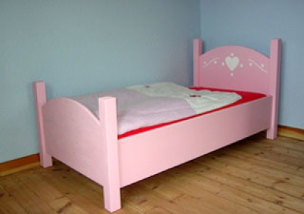 kinderbett emma ein traumhaft s es kinderbett. Black Bedroom Furniture Sets. Home Design Ideas